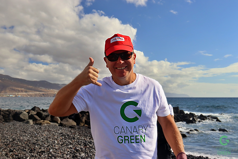 John Beckley - Beach Clean Up, Playa de Lima, Tenerife with Canary Green, Ecoimplicados and Chafiras