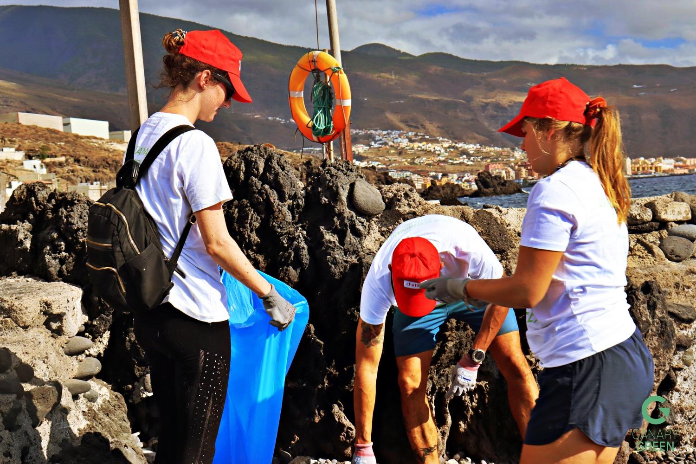 Grace Molan - Beach Clean Up, Playa de Lima, Tenerife with Canary Green, Ecoimplicados and Chafiras